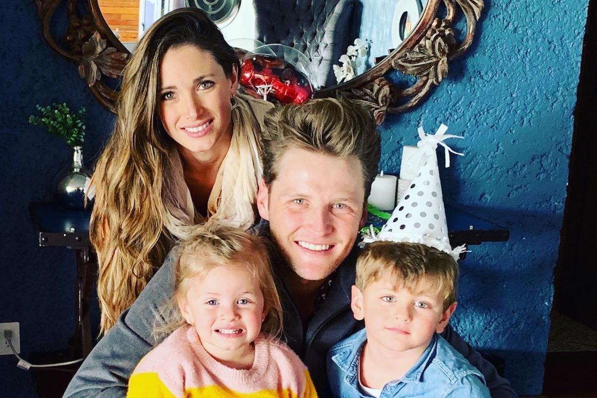 Alexander Acha con su esposa María Rojo de la Vega y sus hijos Mikel y Kiara.