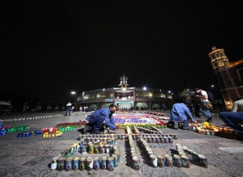 FOTOS: Flores y veladoras en la Basílica de Guadalupe