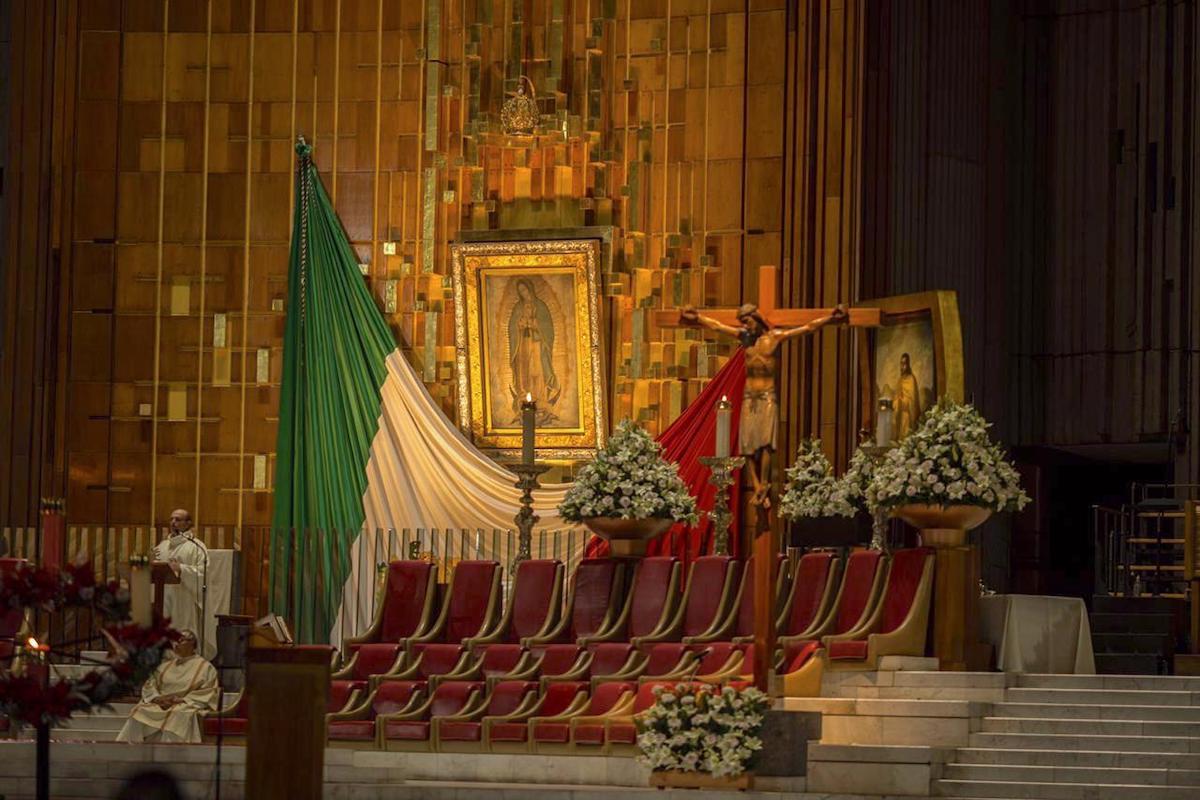 Interior de la Basílica de Guadalupe durante una Misa del 11 de diciembre. Foto: María Langarica