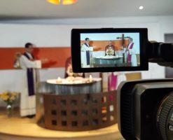 Obispos de la Arquidiócesis de México transmiten su Misa 400 en línea