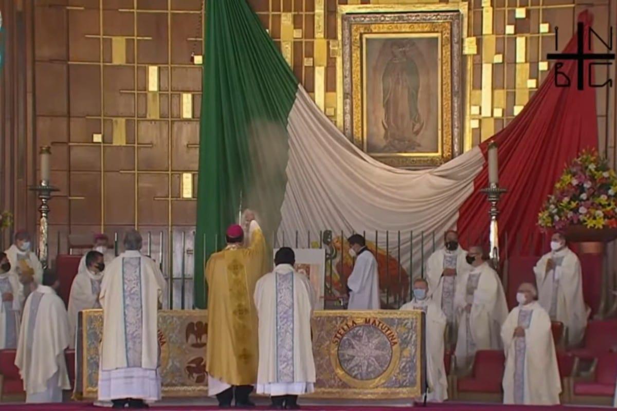 El Nuncio Apostólico Franco Coppola presidió la Misa de las Rosas 2020 en la Basílica de Guadalupe. Foto: Basílica de Guadalupe.