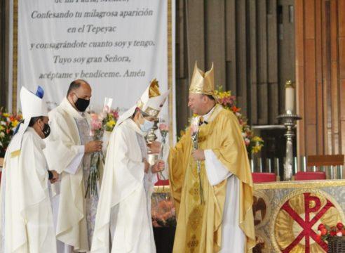 El Nuncio Apostólico celebró la Misa de las Rosas en la Basílica