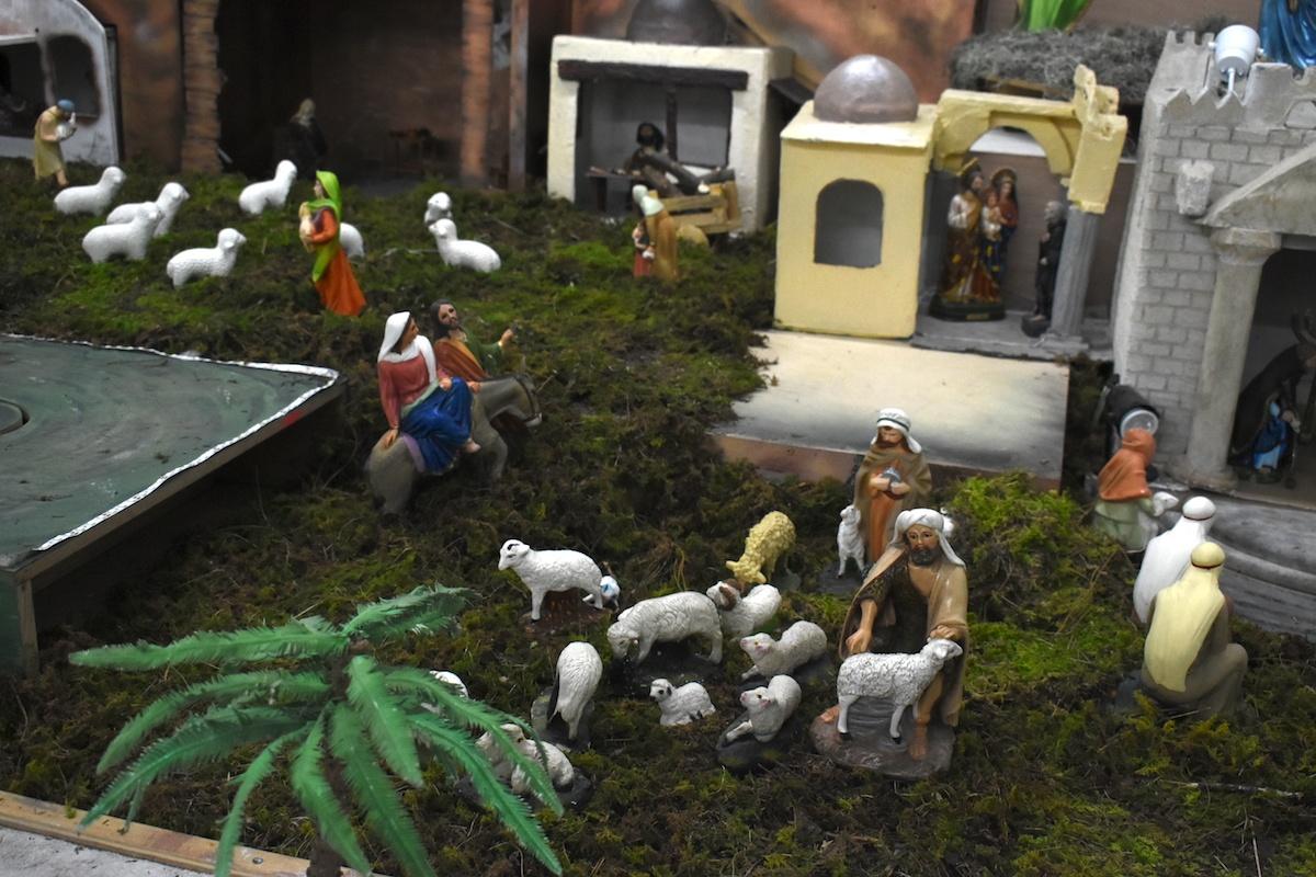 """El nacimiento """"Belén Mágico"""" se puede visitar del 14 de diciembre al 2 de febrero de 2021, en la Parroquia de Santa María Capuchinas. Foto Ricardo Sánchez/DLF"""