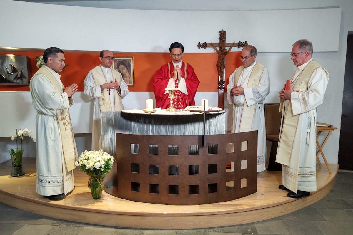Los cinco Obispos Auxiliares de la Arquidiócesis Primada de México. Foto: Ricardo Sánchez