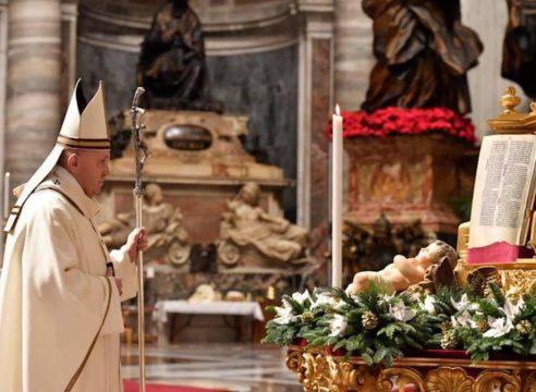 """Papa Francisco en Nochebuena: """"El amor de Jesús transforma la vida"""""""
