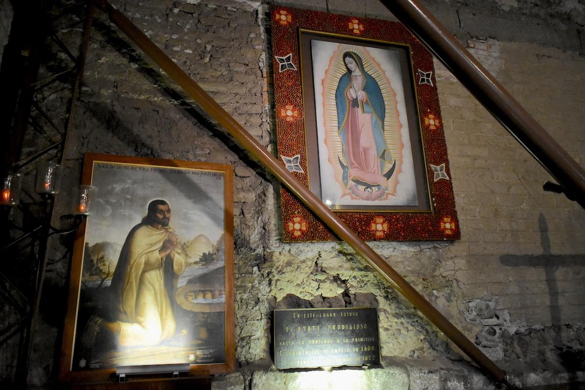 En esta pared estuvo la tilma donde quedó impresa la imagen de la Virgen de Guadalupe.