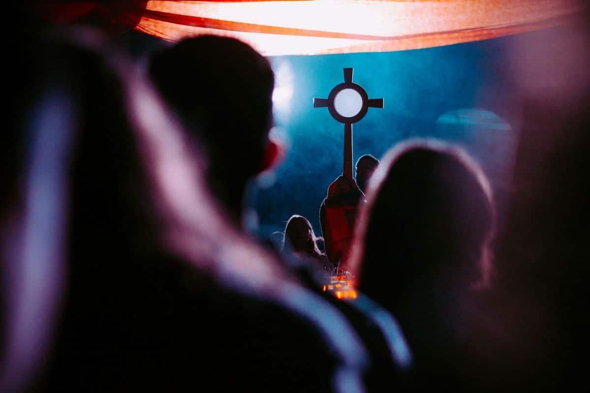Únete a la Vigilia de Oración por las Víctimas de la Pandemia. Foto: Cathopic.