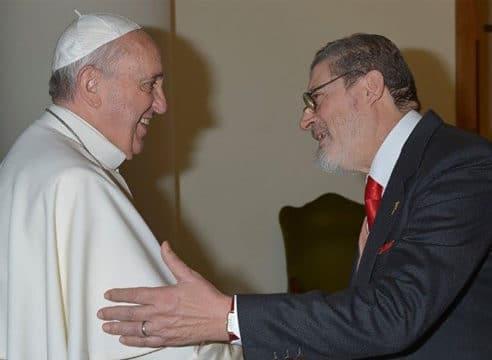 Médico personal del Papa Francisco fallece por Covid-19