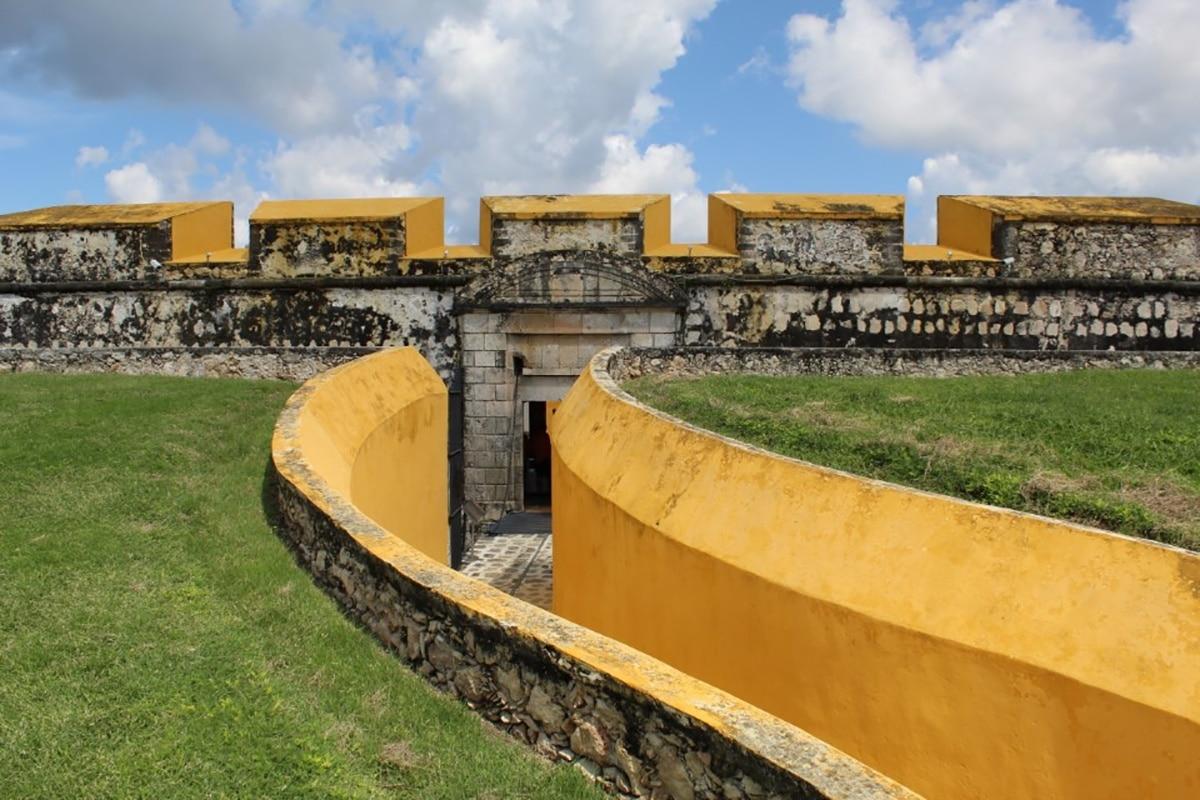 El fuerte de san José en Campeche defendía a la ciudad de los piratas.