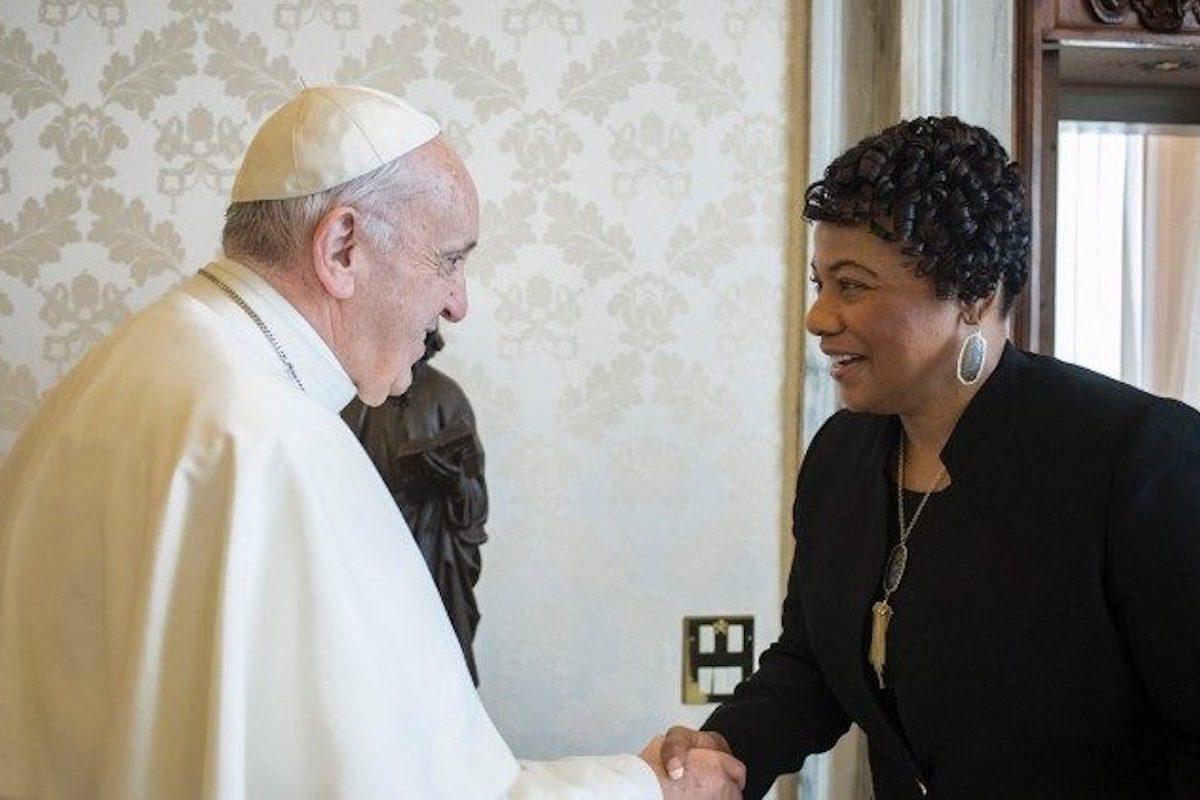 El Papa Francisco con Berenice Albertine King, hija de Martin Luther King.