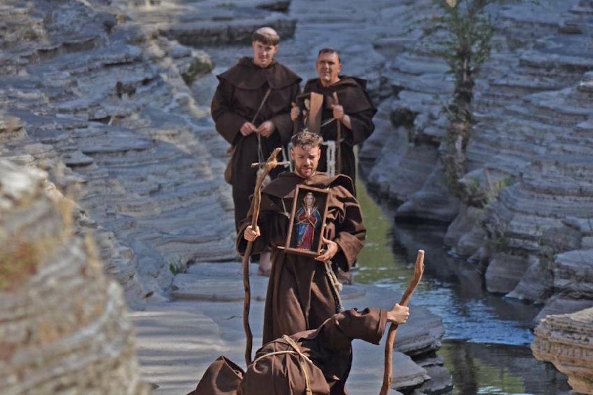 Escena de la llegada de los frailes franciscanos a los Altos de Jalisco.