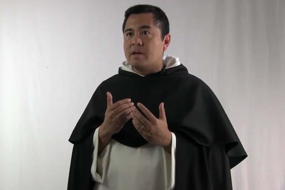 Padre Nicanor Robles. Foto: Fotograma del canal de youtube DominicanaVideo.
