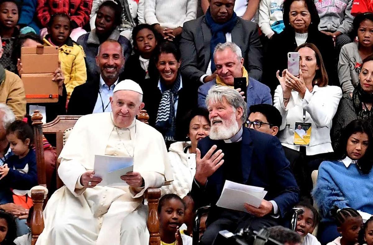 El padre Pedro junto al Papa Francisco. Foto: Facebook Amici di Padre Pedro