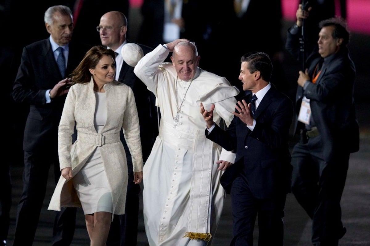 El Papa Francisco fue recibido en por el Presidente Peña Nieto en su visita de febrero de 2016.