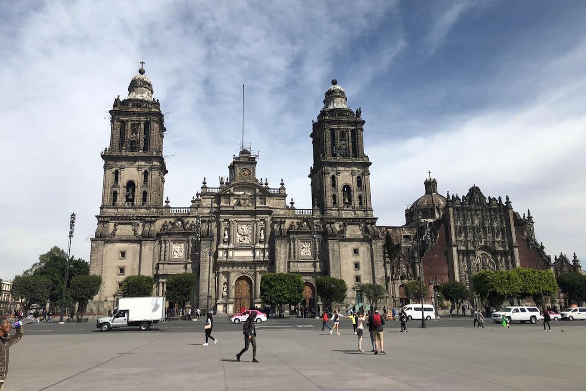 La Catedral Metropolitana de México, sede de la Arquidiócesis Primada de México.