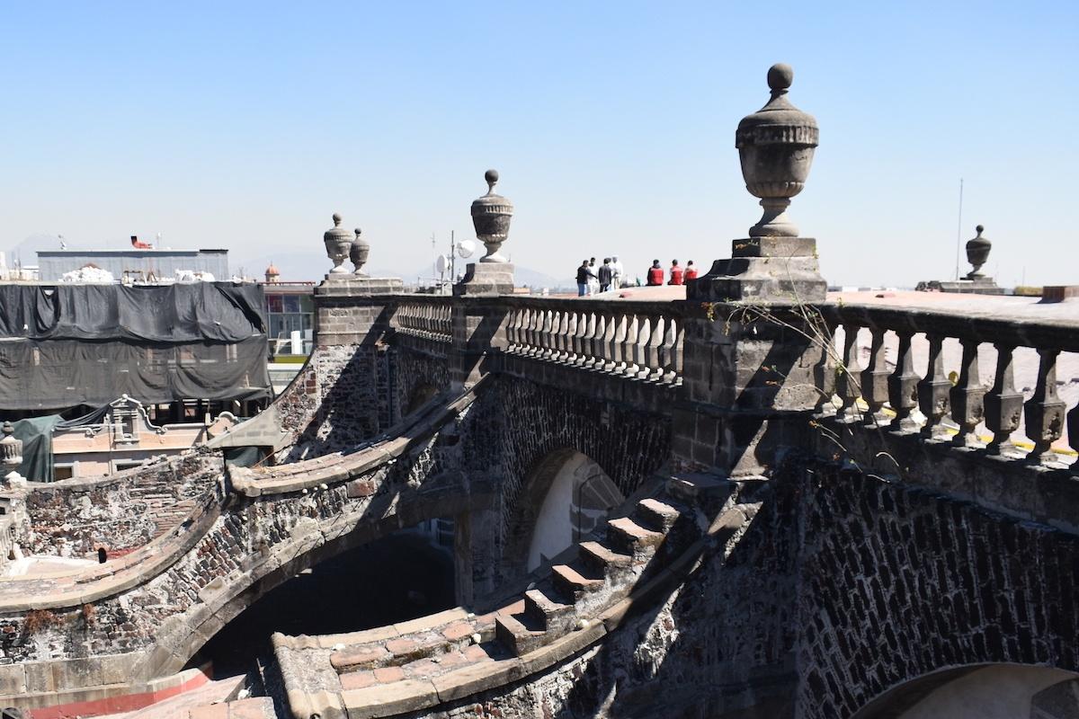 La Catedral Metropolitana de México cuenta con 67 copones que rematan su estructura.