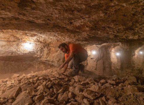 Descubren en Israel fragmentos de la Biblia de hace 2000 años