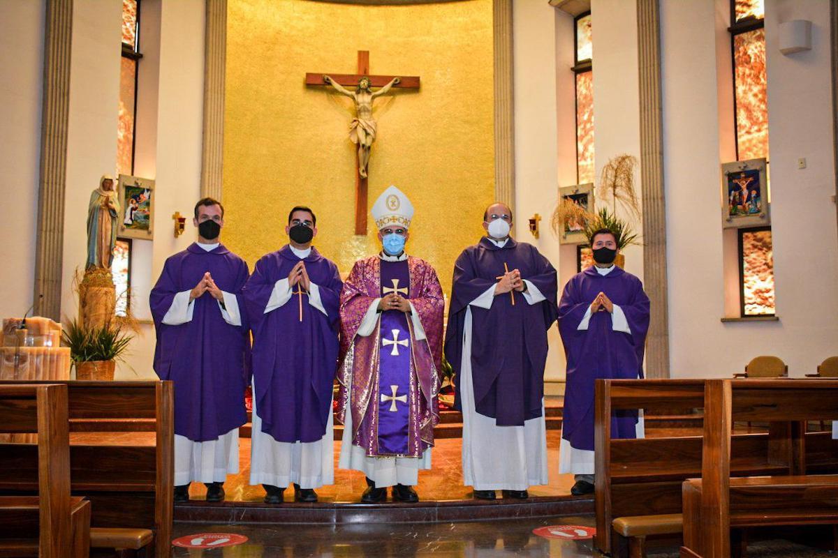 Mons. Héctor Mario Pérez Villarreal