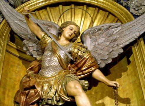 Oraciones a San Miguel Arcángel para salud, trabajo y proteger tu hogar