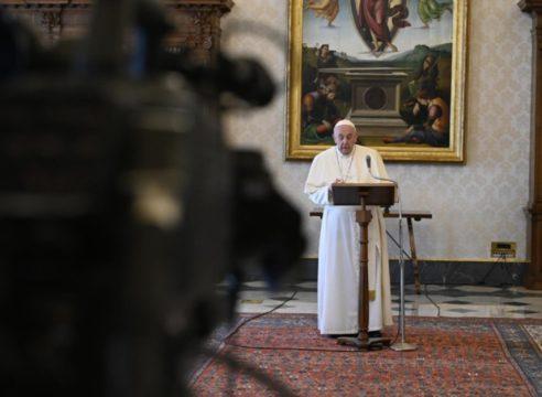 Papa Francisco: Demos a conocer a Jesús con el ejemplo