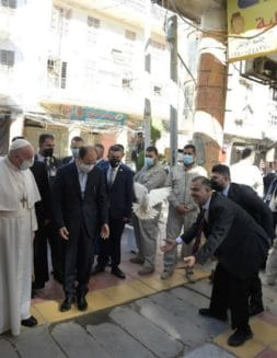 El Papa Francisco clamó por la paz en su segundo día en Irak