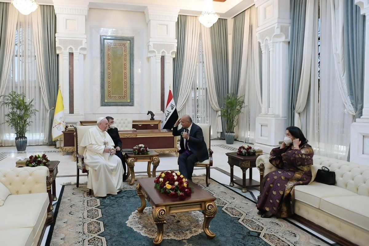 El Papa Francisco se reunió con el presidente de Irak. Foto: Vatican News.