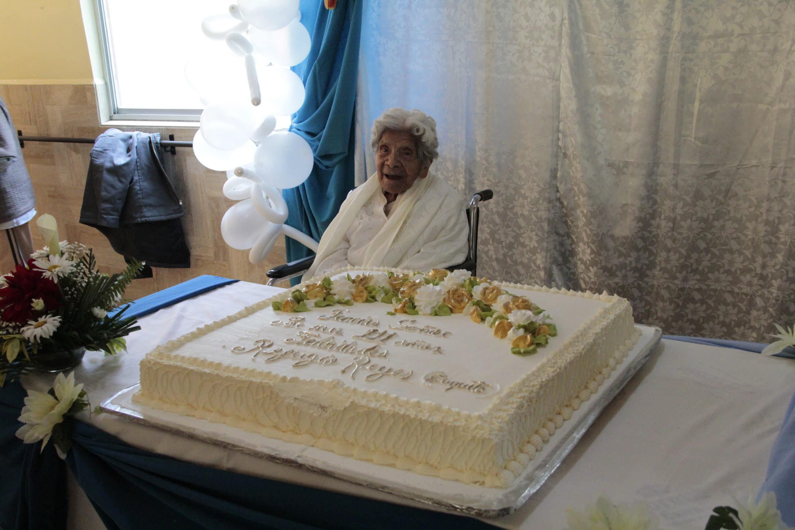 Cuquita cumplió 111 años el 4 de julio de 2021, y se lo celebraron con una fiesta un día después. Foto: Alejandro García/Desde la fe.