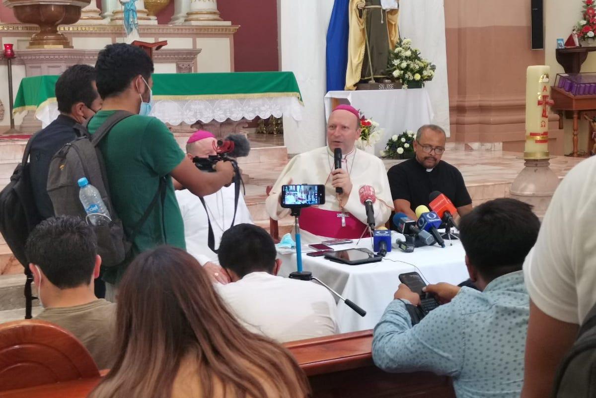 Conferencia de prensa del Nuncio Apostólico en México, Mons. Franco Coppola. Foto: Diócesis de Apatzingán