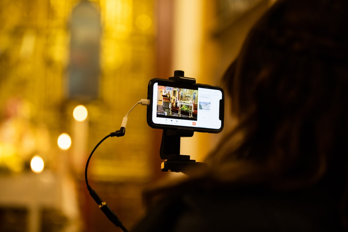 La Misa por internet ha acompañado a los fieles durante la pandemia de Covid-19. Foto: María Langarica