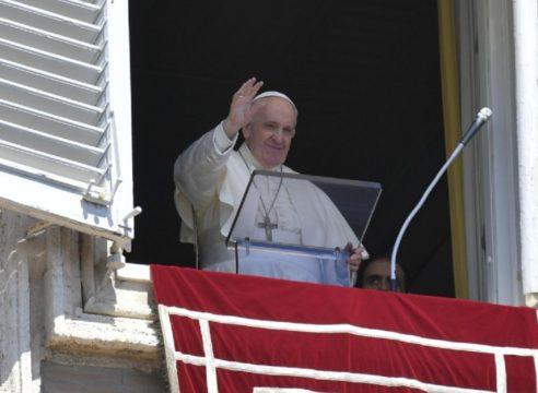 El Papa en el Domingo del Buen Pastor: Jesús nos conoce a cada uno