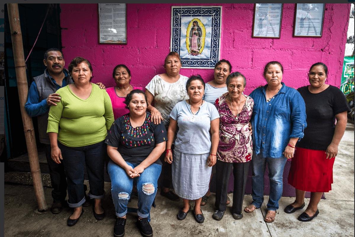 Las Patronas ayudan a los migrantes desde hace 26 años.