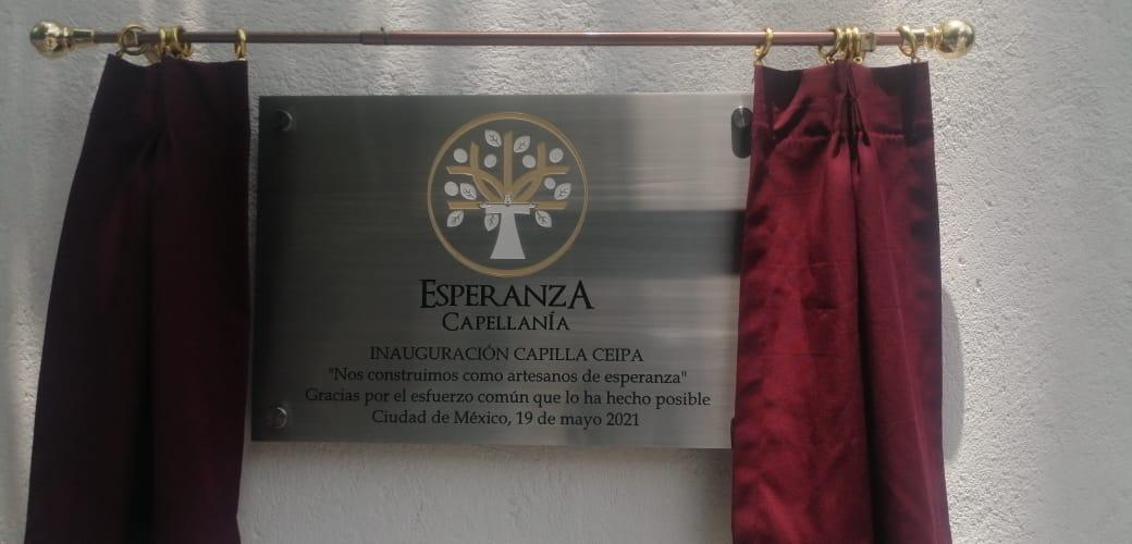 Placa conmemorativa por la inauguración de la Capilla Esperanza. Foto: Cortesía.