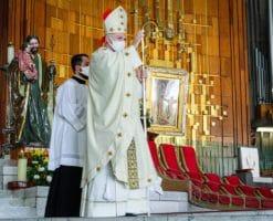 Basílica de Guadalupe y Catedral en oración por víctimas de la Línea 12