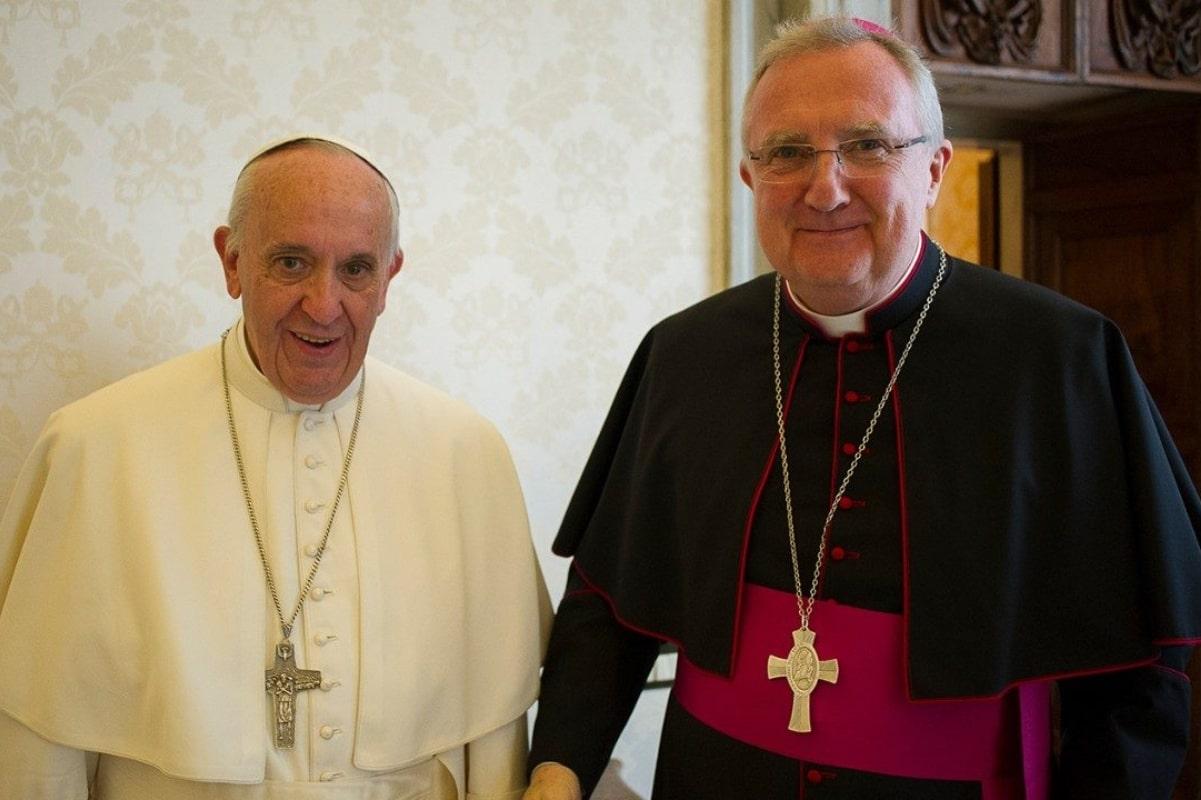 Mons. Arthur Roche era secretario de la Congregación del Culto Divino.