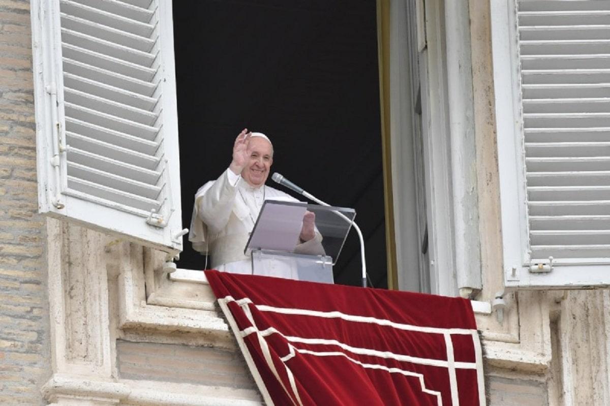 Video del Papa en mayo: Finanzas que estén al servicio de las personas