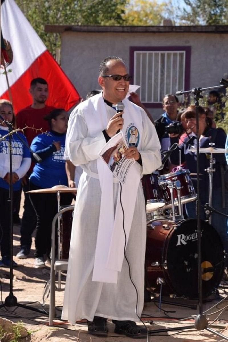 El padre Javier Calvillo cumplirá 21 años de atención a los migrantes.