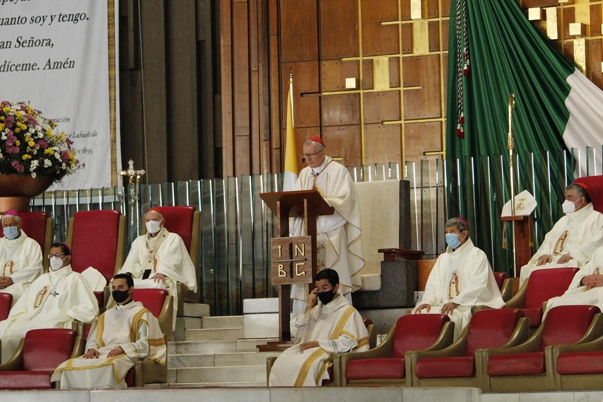En la Misa presidida por el Card. Pietro Parolin estuvieron presentes el nuncio apostólico en México, obispos y miembros del Venerable Cabildo de la Basílica de Guadalupe. Foto: INBG/Cortesía.
