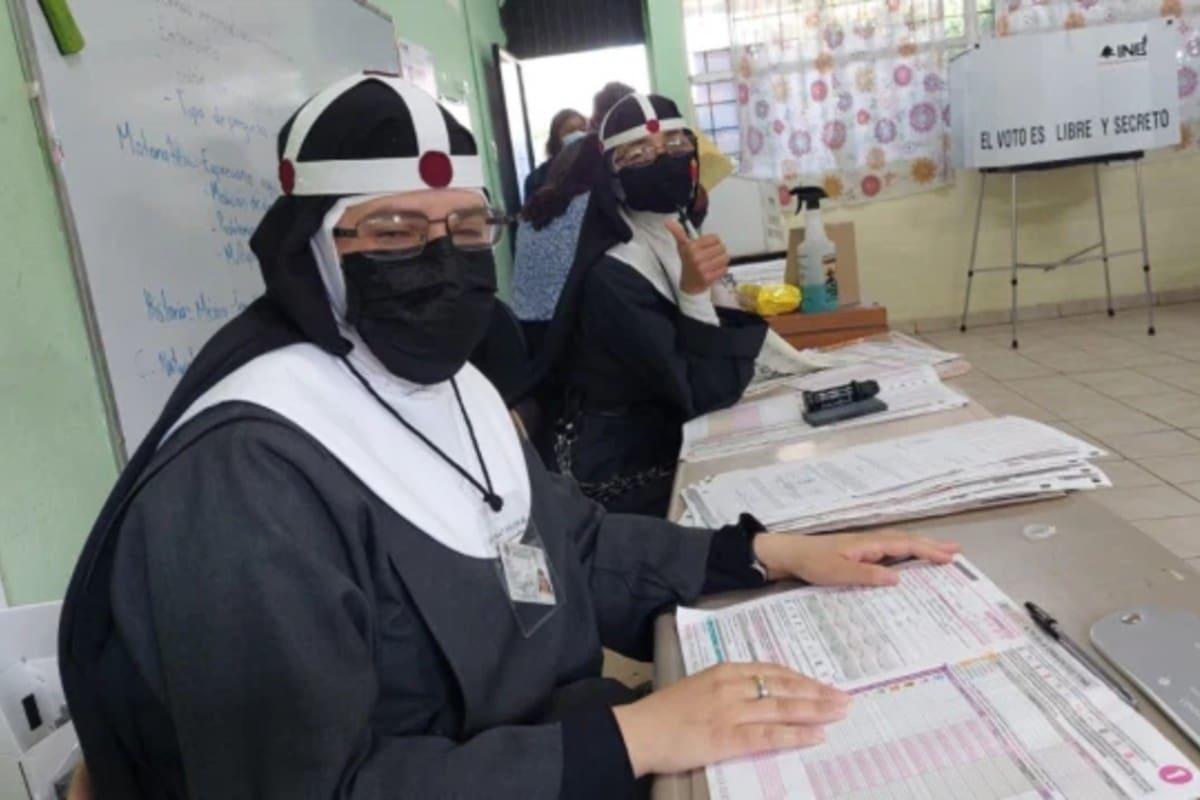 Religiosas funcionarias de casilla. Foto: Aleteia.
