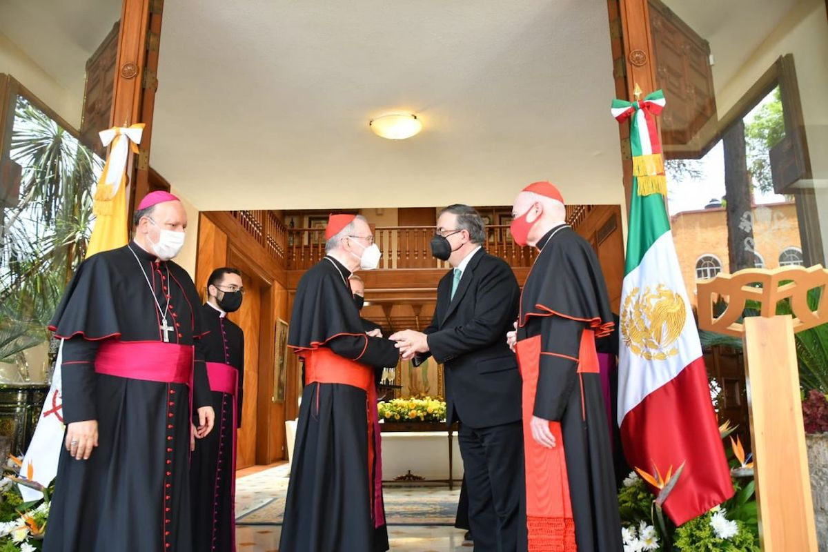 Al evento asistieron el Arzobispo de México, el Cardenal Aguiar y el Nuncio Apostólico en México, Mons. Franco Coppola. Foto: SRE México