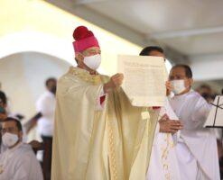 Mons. Fermín Sosa recibe la ordenación episcopal; será nuncio de Papúa