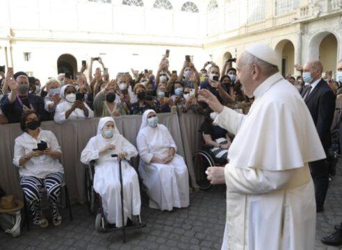 """Papa Francisco: """"Dejemos que Dios transforme nuestra existencia"""""""