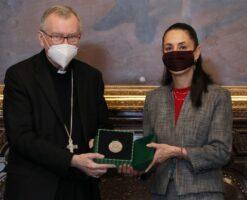 """La CDMX nombra """"huésped distinguido"""" al Cardenal Pietro Parolin"""