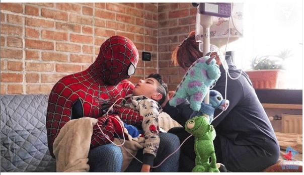 Mattia Villardita lleva más de 4 años disfrazándose de Spider-Man. Foto: Instagram @mattiavillardita