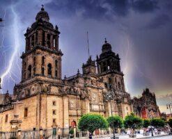 Protegen la Catedral de México contra… ¡rayos y centellas!
