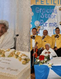 Tras vencer dos veces al covid, ahora celebra con mariachi sus 111 años