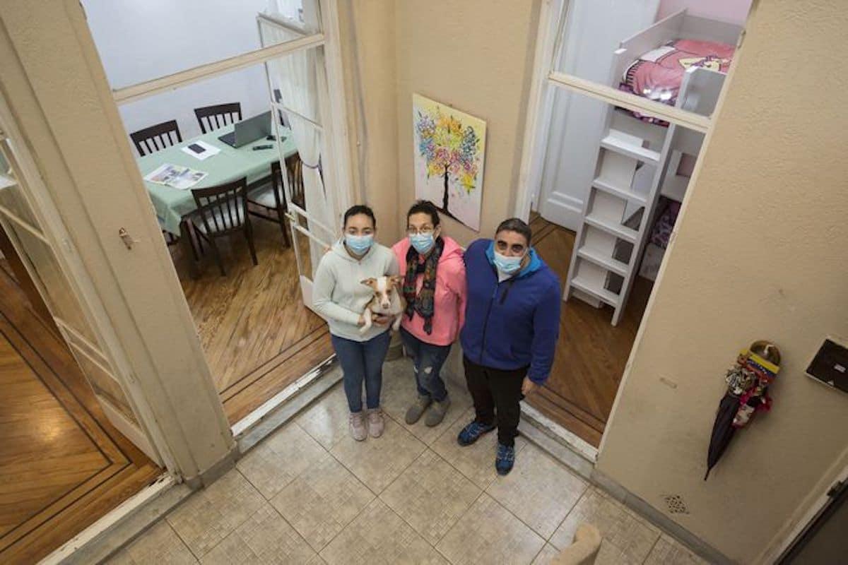 La familia Mauro vive en la casa donde nació el Papa Francisco. Foto: La Nación