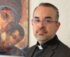 El fundador del Camino Neocatecumenal felicita al nuevo obispo mexicano