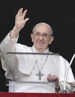 Papa Francisco: No temas compartir lo que tienes, Dios lo multiplicará
