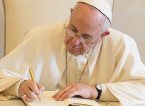 El Papa Francisco y científicos llaman a actuar para curar la Casa Común