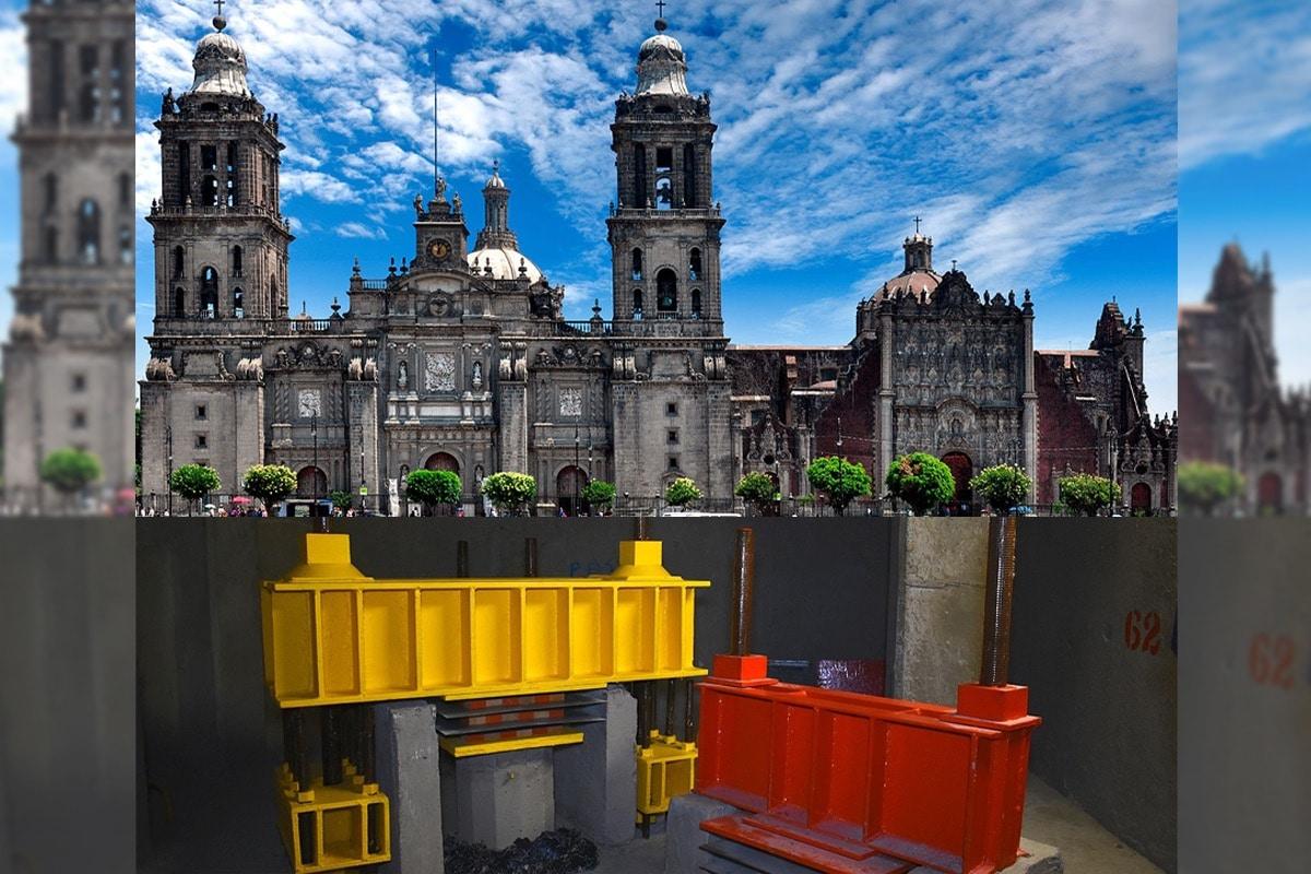 La Catedral Metropolitana, el Sagrario Metropolitano y la Capilla de Ánimas descansan sobre 616 pilotes.